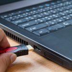 VODIČ: Kako bez puno muke spojiti laptop i televizor
