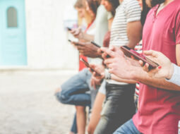 ovisnost o mobitelu