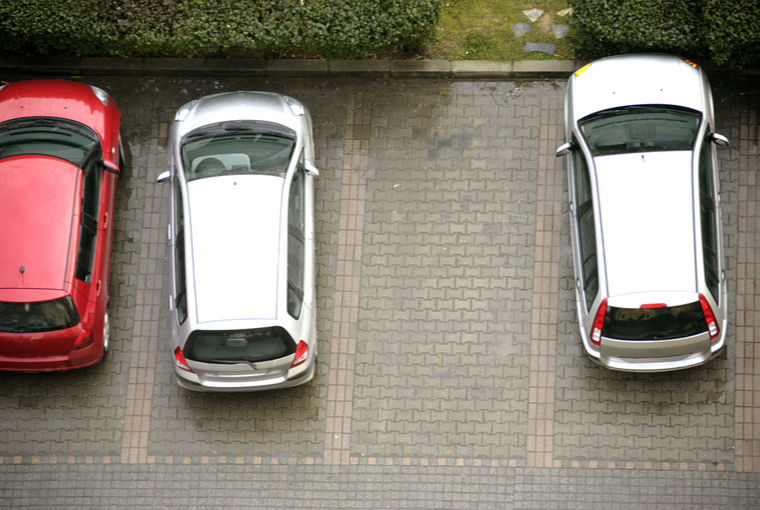 parkiran automobil