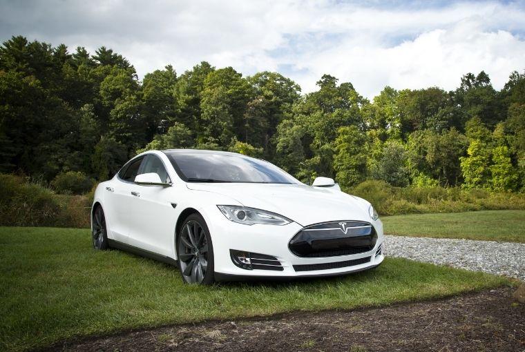 električni automobil - Tesla